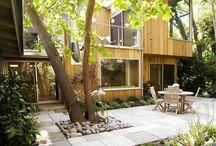 Сад / Уютные сады, дворики, зелень вокруг дома.