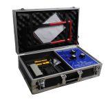 Detector VR2000 Gold / Σύστημα VR2000 αναπτύχθηκε αρχικά για τους επαγγελματίες αρχαιολόγους και τους κυνηγούς θησαυρών και έχει χρησιμοποιηθεί τόσο στην ξηρά όσο και κάτω από το νερό. Με την ανάπτυξη της ταχύτερης και πιο σύνθετες μονάδες επεξεργασίας και τη μείωση του κόστους των υλικών, ήμασταν σε θέση να αρχίσει να προσφέρει αυτή την πρωτοποριακή τεχνολογία στο ευρύ κοινό. Περισσότερες πληροφορίες για ανιχνευτές αποστάσεως στην ιστοσελίδα μας: www.metal-detectors.gr sales@polatidis-group.gr Τηλ: 23810 23237