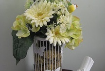 Floral Arrangements / by Bobbie Geddes