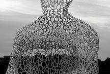 НЁХ, скульптура