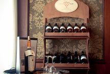 Enjoy wine!  / Siete pronti per un aperitivo? Buon cibo e ottimo vino!