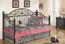 Charmant Girlu0027s Bedrooms / Stylish Furniture For The Trendy Girl