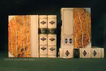 Legature di pregio / #legatoria #legatoriaviali #viterbo #rilegature #bookbinding #bookbinder #rilegatura #artisan #artigianato #artigiano #italy #italia #rilegare #libri #books #ArtigianatoArtistico #rilegatore #orvieto #roma #tuscia #LegaturaDiPregio #reliure #oro #OroASecco #bibliofili #biblioteca #filosofia #LibriAntichi #restauro #pergamena #incisione #fattoamano #handmade