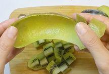 How to Peel Kiwi the Smart way