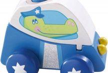 Zabawki dla rocznego dziecka 1+ / Zabawki dla rocznego dziecka - Fajne zabawki dla rocznych dzieci chłopców i dziewczynek. Polecamy najlepsze polskie i europejskie klocki i zabawki edukacyjne dla dzieci 1+