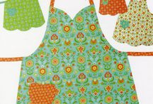 APRONS / KITCHEN APRONS