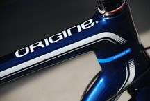 Origine Axxome Bleu nuit / Zoom on the Origine Axxome bicycle Road frame. Color: Night blue. Available exclusively trough our website www.origine-cycles.com