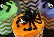 Cupcakes / by Miranda Kendall