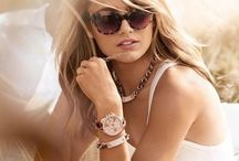 Nóng Cuồng Nhiệt Với Shop Đồng Hồ Uy Tín Nhất / Bạn đang cần một shop đồng hồ thực sự uy tín với các sản phẩm chính hãng và giá rẻ hơn? Đã tìm đúng rồi, ngay tại đây chính là shop đồng hồ với hàng ngàn mẫu bỏng tay!