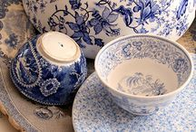 love blue and white porcelain....