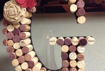 Wine Cork Crafts / Have you ever noticed how many wine corks get thrown out after enjoying a bottle of wine! Check out some of our favorite ways to repurpose those corks into fun crafts!