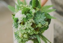INSPIRATION | green bouquets / We love foliage, here's some gorgeous green bouquets for inspiration