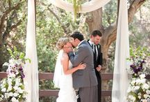ceremony florals inspiration / Floral elements for wedding ceremonies