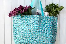 Design Einkaufstasche Shopper / Diese Taschen sind zu 90% aus recycelten Plastikflaschen hergestellt worden und und es macht doch gleich noch mehr Spass, umweltfreundliche Produkte - aus nachhaltigen Materialien und ressourcen-schonender Herstellung - zu verwenden - denn das ist das Beste für Mensch und Natur ...