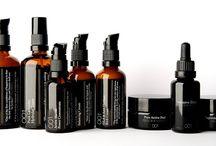 Skin packaging