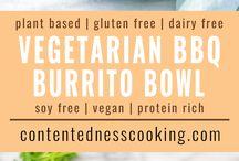 Mexican Style: vegetarian Burrito Bowls / Die würzige mexikanische Küche bringt Feuer in die Bowl. Viele vegane und vegetarische Gerichte mit Tofu, Bohnen und viel Limetten sorgen für kulinarisches Fernweh.