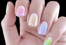 Glamorous Nails / by Claire Zhang