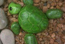 Tortuga verde de piedras