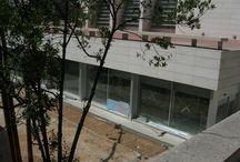 #biblioteca_construccio / L'edifici de la biblioteca actual es va inaugurar al setembre del 2009. En aquest plafó podeu veure obres de quan l'edifici estava en construcció