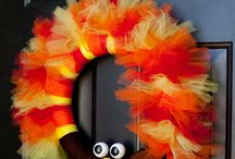 Cute Door Wreaths' / by Toni Kaiser
