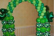 Holidays / Holiday balloon decor