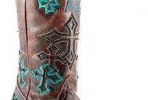 Shoes & Boots / by Johnette Berzas