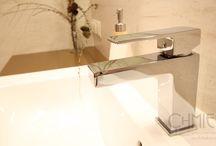 Łazienka w kolorach ziemi / Przytulna i ponadczasowa łazienka (10m2), o nienagannej skandynawskiej prostocie i funkcjonalności. Różne rodzaje oświetlenia, pozwalają na wytworzenie odpowiedniej atmosfery, według upodobania użytkownika.