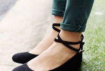 Flats / Shoes