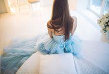 В длинном платье