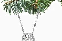 My favorite Christmas Jewelry / These are our picks for the top Christmas and Holiday jewelry for 2014