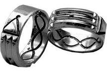 FENG SHUI ANILLO ATLANTE / Hecho en Plata de Ley. 925  El anillo actúa sobre problemas psicológicos y físicos según los dedos. La utilización del anillo en la mano derecha será para problemas físicos y en la mano izquierda emocional. Llama (511) 3726826 o escribe anamaria.fengshui@gmail.com Lima Perú