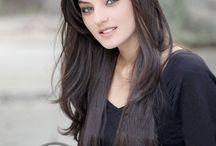 Aktris