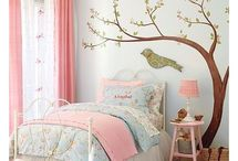 Girl Room Ideas / by Lindsey Magnus