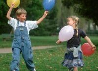 Idées de jeux d'enfants / Êtes-vous éducatrice, intervenante ou autre professionnel qui oeuvre en éducation à la petite enfance ? Avez-vous des épingles qui seraient pratiques et appropriés pour ce tableau ? Si oui, abonnez-vous au tableau, laissez-nous un commentaire qui indique votre intérêt à épingler sur le tableau. Nous nous abonnerons à un de vos tableaux, ce qui nous permettera de vous donner permission d'épingler. Merci pour partager !