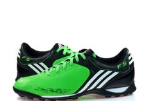 Football boots <3