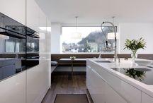Interiores Cocinas / Tablero que muestra proyectos ajenos a Mo.A, que sirven para expresar nuestras preferencias arquitectónicas