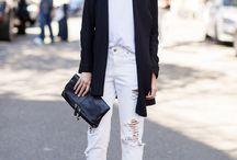 ■white pants