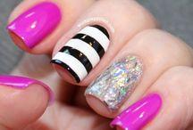 nails / by Hannah Chambers