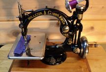 Antique sewing machines  / by Linda Broere