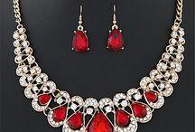 Ékszer készlet / Elegáns divatos 18K arannyal futtatott nyakláncok,gyűrűk,karláncok,és fülbevalókat találsz!