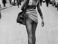 Helmut Newton / Helmut Newton, né Helmut Neustädter, le 31 octobre 1920, à Berlin et mort le 23 janvier 2004, à Los Angeles, est un photographe australien d'origine allemande. Il est connu pour ses photographies de mode et de nus féminins