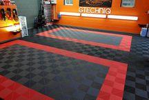 Idée agencement sol de garage ! / Réalisation de sol garage de la part de http://www.dalles-de-sol-polypropylene.com