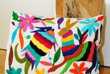 Housse coussin brodée Mexicaine / Superbe housse pour vos coussins, aux motifs colorés, brodée à la main dans les montagnes de l'Hidalgo au Mexique