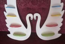 Kalp raf ve Kuğu raf takımlarımız. . / Kalp raf ve Kuğu raf takımlarımız 120 tldir. ..İstediğiniz renklerde yapabiliriz. ..