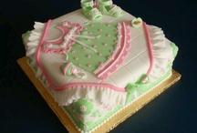 cake ideas! / by Kandiace Martinez