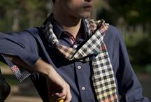 Foulard et écharpe pour homme / Les hommes aiment les écharpes et foulards. Scarf for man silk coton or linen, fashion accessories for man. Des accessoires de mode au masculin, du foulard en soie à l'écharpe en coton, en lin ou encore en laine, en chanvre.