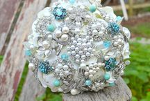 Brooch Bouquet Ideas / by Cristy Mishkula @ Pretty My Party