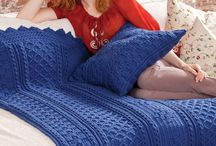 Crochet | Afghans / A collection of free and paid crochet patterns and inspirations.