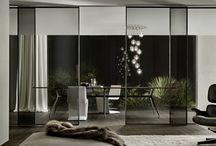 design schuifdeuren sliding doors / Design schuifdeuren in glas, hout en leder.  Contemporary costum made sliding doors of high-end brands