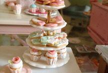 Miniature sweets